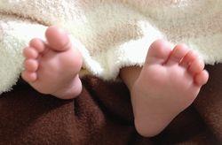 赤ちゃん 足裏 縮小